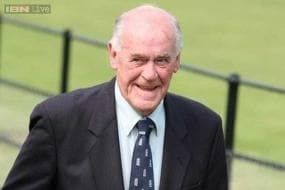 Ian Botham, Michael Vaughan mourn England hard man Brian Close's death