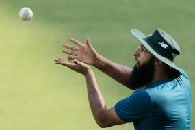Hashim Amla's form not a cause of concern, says coach Russell Domingo