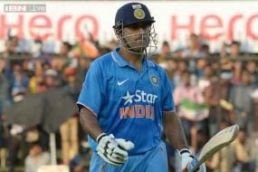 2nd ODI: MS Dhoni stars in India's 22-run win over South Africa