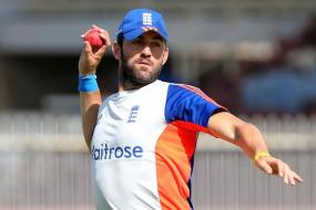 England call up Plunkett for injured Wood