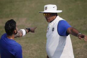 India vs South Africa: Ravi Shastri says SA can expect rank turner at Kotla too