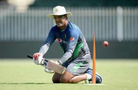 Waqar Younis refutes fixing claims in third one-dayer against England