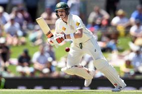 Steven Smith to play on for Australia despite knee injury