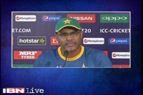 Focus should be on cricket, not controversy: Waqar Younis