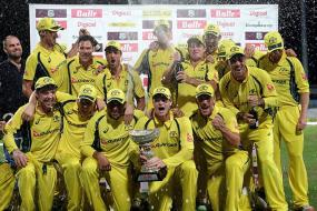 Hazlewood, Marsh Power Australia to Tri-Series Title Win