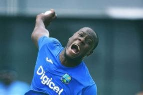 Carlos Brathwaite Urges Players to Adapt Quickly to Dubai Climate