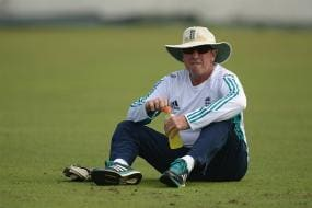 England Coach Bayliss Disturbed by Team's Inconsistent Show