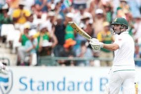 Dean Elgar Equals World Record With Unbeaten Ton in Cape Town
