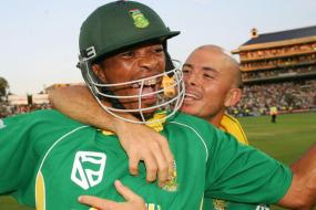 12th March 2006: Gibbs Overpowers Ponting as South Africa Gun Down 434