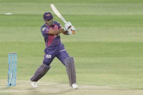 IPL 2017: Dhoni Steals Show as Pune Beat Mumbai to Enter Final