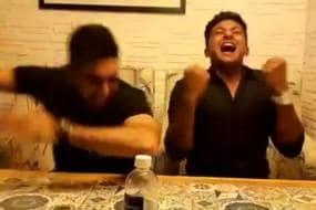 IPL 2017: Injured Sarfaraz Khan Takes the 'Bottle Challenge'
