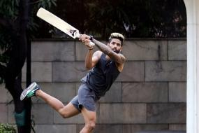 IPL 2017: KKR Players Return to Tennis Ball Cricket