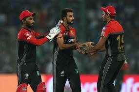 IPL 2017: Kohli Compares Avesh Khan With Best in the Business