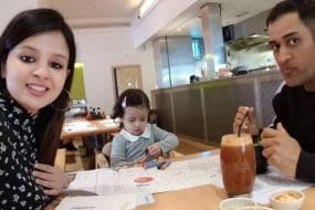 Ziva Busy Drawing as Sakshi Clicks Selfie With MS Dhoni at Dinner Table