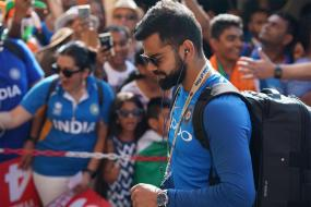 India vs Australia: Sledge Kohli at Your Own Risk, Gavaskar's Suggestion to Tourists