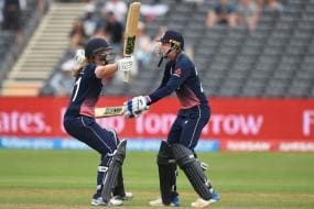 England Beat South Africa by 2 Wickets in a Thriller to Reach Final