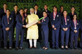 PM Modi Cheers Up Mithali Raj & Girls in 'Mann Ki Baat'