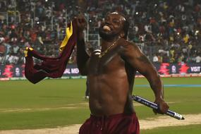 Chris Gayle Becomes First Batsman to Smash 800 T20 Sixes