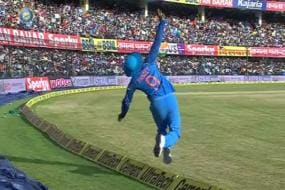 Watch Manish Pandey Take a Blinder to Dismiss Peter Handscomb
