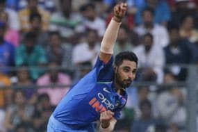 Bhuvneshwar Consistently Bowled in Right Areas: Hendricks