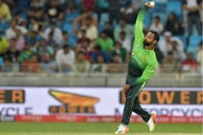 Mohammad Hafeez Wants ICC to Retain 'Doosra'