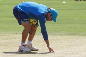 Dhoni Checks Out Eden Strip For Kohli & Boys Ahead of Lanka Test