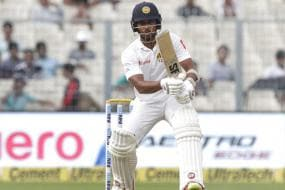 Mathews, Chandimal in 15-Member Squad for First Test against New Zealand