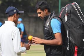 Ravichandran Ashwin Shares His Secrets With Net Bowlers Ahead of Third Test