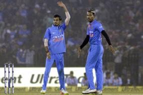 Hardik Pandya and Shreyas Iyer Add New Twist to the Customary Hi5