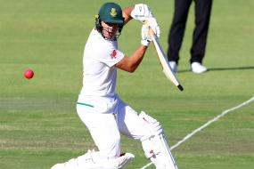 AB de Villiers Stands Tall As South Africa Edge Ahead on Day 2