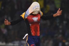 PSL 2018: Umaid 'Iron Man' Asif Helps Peshawar Eliminate Quetta