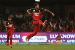 IPL 2018: Umesh, De Villiers Star as Bangalore Beat Punjab by Four Wickets