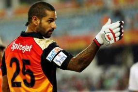 Dhawan Takes Time to Oblige Young Sunrisers Hyderabad Fans