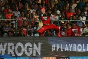 Watch | Kohli in Awe of 'Spiderman' ABD After Stunning Catch Against SRH