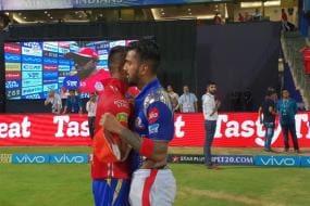 IPL 2018: KL Rahul, Hardik Pandya Swap Jerseys After MI's Stunning Triumph Over KXIP