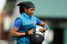 Harmanpreet Kaur Becomes First Indian Cricketer to Play 100 T20 Internationals