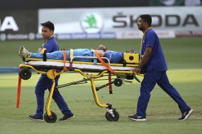Hardik Pandya Stretchered Off the Field After Suffering Acute Lower Back Injury