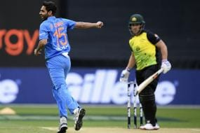 India vs Australia: Finch Has Task Cut Out Against Powerplay Expert Bhuvneshwar in Sydney