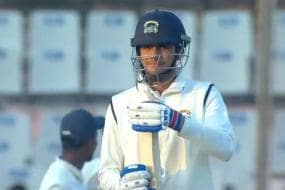 Shubman Gill Forces Umpire to Overturn His Dismissal Against Delhi, Tie Halted Briefly