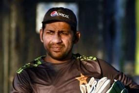 Sarfraz Ahmed Hints at Possibility of Giving Up Pakistan Test Captaincy