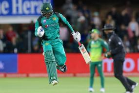 Imam & Hafeez Half-centuries Help Pakistan Sink South Africa in Opener