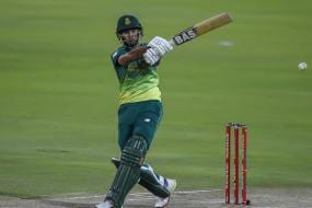 Hendricks Heroics in Rain Hit Game Give South Africa Series Lead