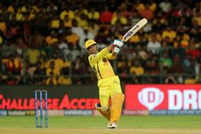 IPL 2019 | Dhoni Blitzkrieg Leaves Twitter Awestruck