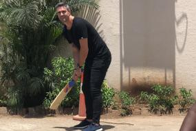 Kevin Pietersen Tries His Hand at Gully Cricket