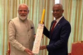 PM Modi Presents Bat Autographed By Indian World Cup Squad To Maldives President