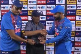 India vs South Africa: Virat Kohli & Ravi Shastri Felicitate BCCI Chief Curator Daljit Singh