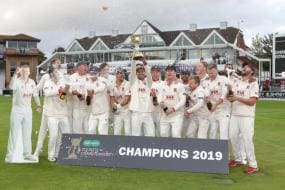 Essex Make Up for Peter Siddle's Absence With Cardboard Cutout in Celebration