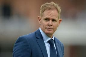 Saliva Ban Becomes Redundant Once You're in Bio-secure Environment: Shaun Pollock