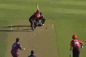 Leo Carter Smashes Six Sixes in an Over in New Zealand's Super Smash T20 Competition