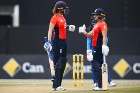 India Women Lose to England by Four Wickets in Tri-series Encounter
